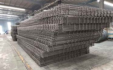 Lashing and Installation of Steel Mesh and Steel Framework